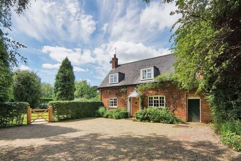 4 Bedrooms Detached House for sale in Hall Lane, Osbaston