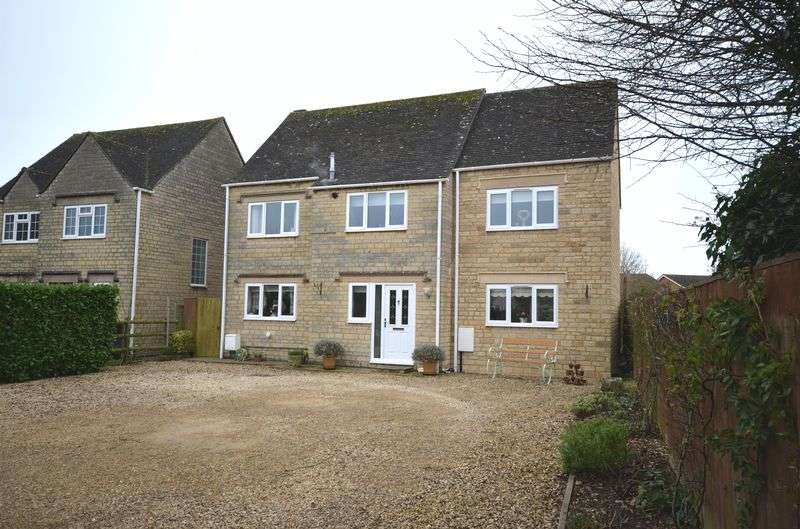4 Bedrooms Detached House for sale in Shilton Road, Carterton