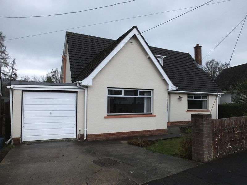 3 Bedrooms Detached Bungalow for sale in Bank Crescent, Abergavenny