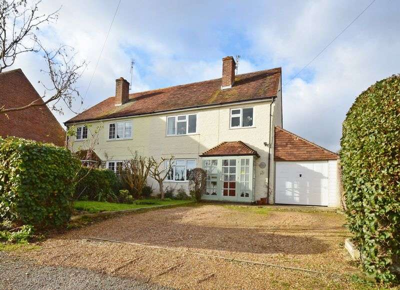 4 Bedrooms Property for sale in A superb character cottage located in the pretty hamlet of Aldingbourne, Chichester.