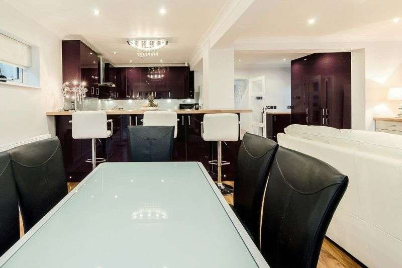 4 Bedrooms Detached House for sale in Farnham Common