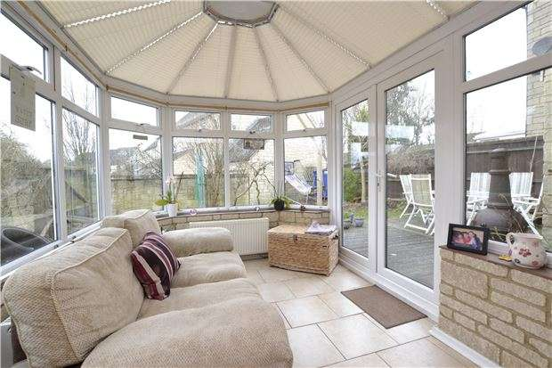4 Bedrooms Detached House for sale in Stow Avenue, WITNEY, Oxfordshire, OX28 5GR