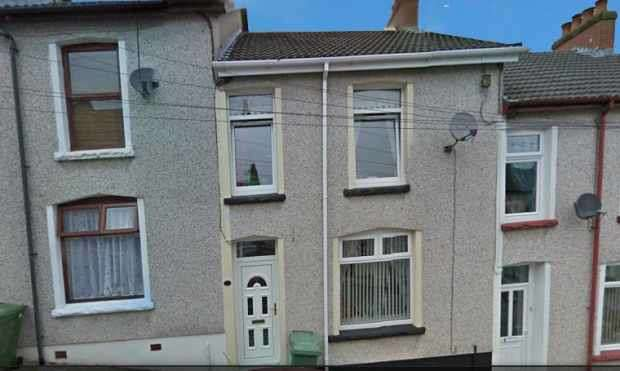 2 Bedrooms Terraced House for sale in Edmund Street, Bargoed, Gwent, CF81 9RR