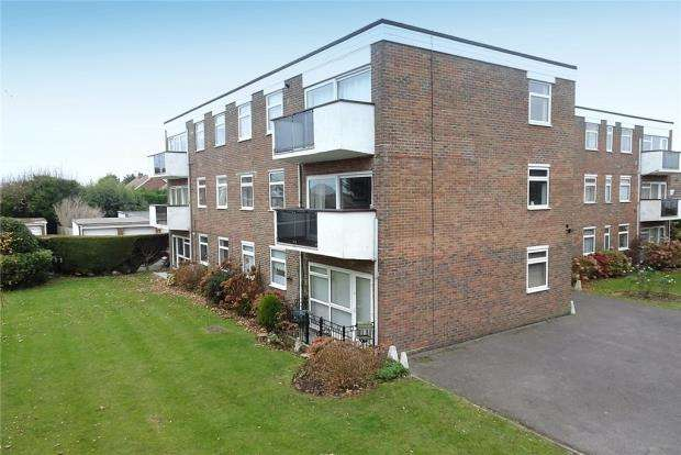 2 Bedrooms Apartment Flat for sale in Clare Lodge, Sea Lane, Rustington, West Sussex, BN16