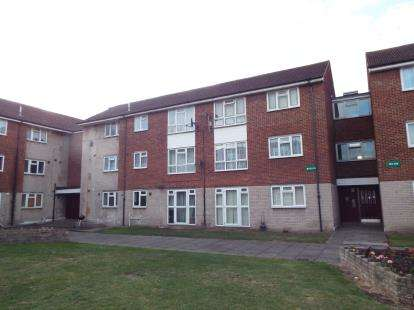 3 Bedrooms Flat for sale in Dagenham, Essex, .