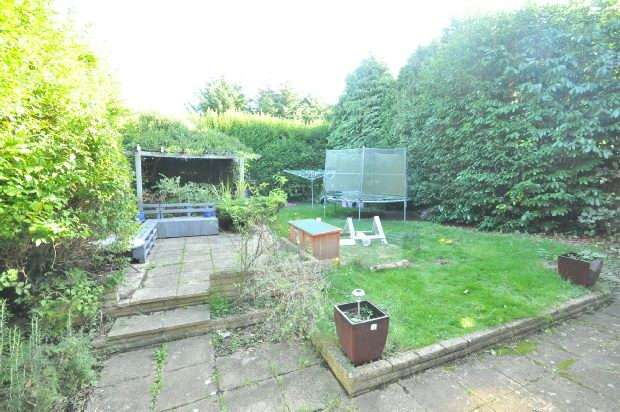 4 Bedrooms Detached House for sale in Eastcourt Avenue, Earley, Reading