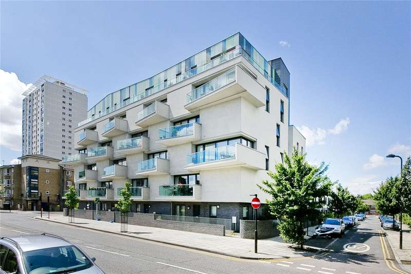 3 Bedrooms Flat for sale in Acer Road, Hackney, E8