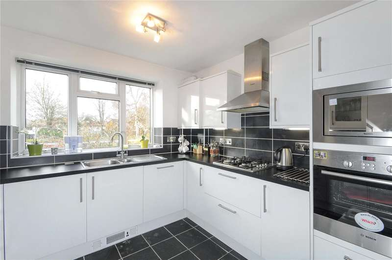 1 Bedroom Apartment Flat for sale in Dove Park, Pinner, Middlesex, HA5