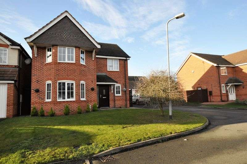 4 Bedrooms Detached House for sale in Churchward Drive, Stretton