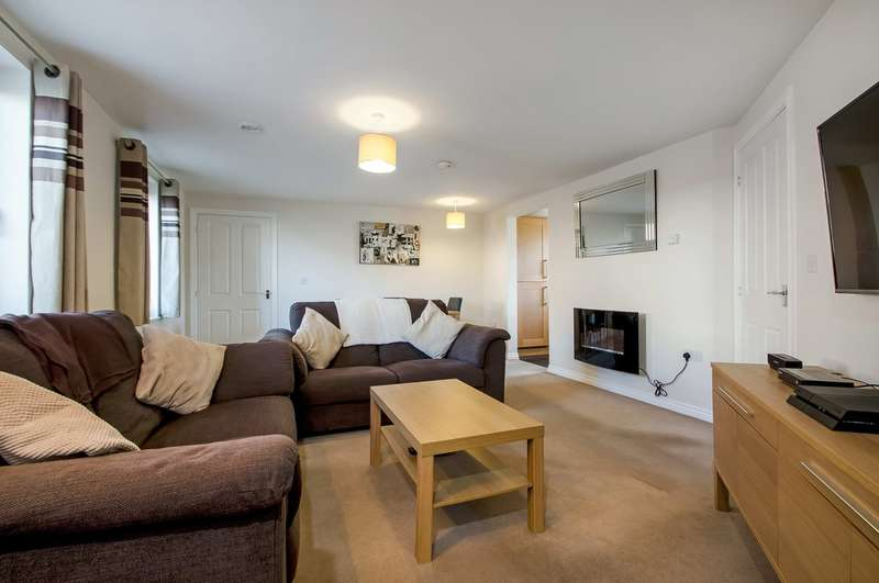 2 Bedrooms Ground Flat for sale in Waterlooville, Hampshire