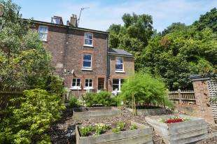 4 Bedrooms Semi Detached House for sale in Kings Avenue, Redhill, Surrey, Redhill