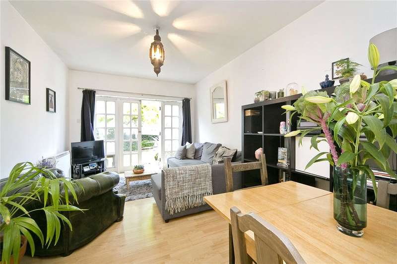 2 Bedrooms Flat for sale in Cassland Road, South Hackney, E9