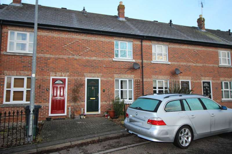 2 Bedrooms Terraced House for sale in Thomas Bell Road, Earls Colne