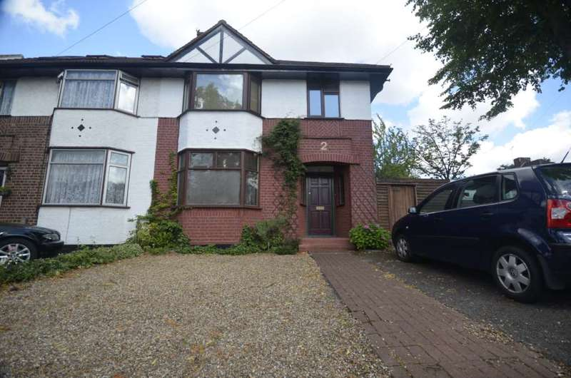 3 Bedrooms Semi Detached House for sale in Selbourne Gardens, Hendon