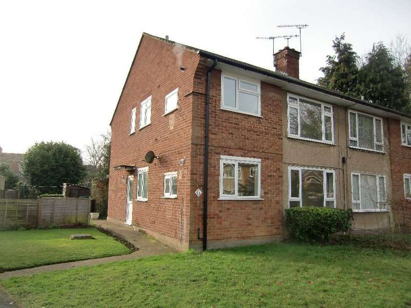 2 Bedrooms Maisonette Flat for sale in Lych Gate, Watford, Herts
