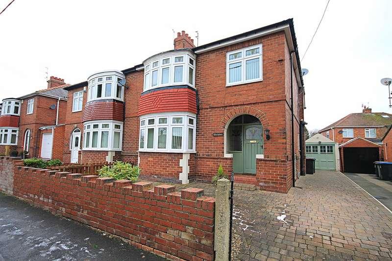 3 Bedrooms Property for sale in Leesfield Drive, Meadowfield, Durham