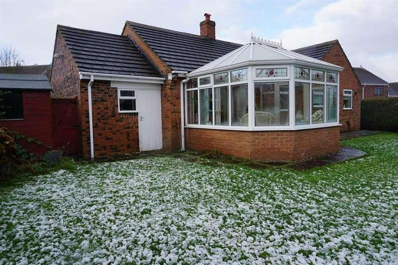 2 Bedrooms Detached Bungalow for sale in Leppington Drive, Scarborough, North Yorkshire, YO12 5DZ
