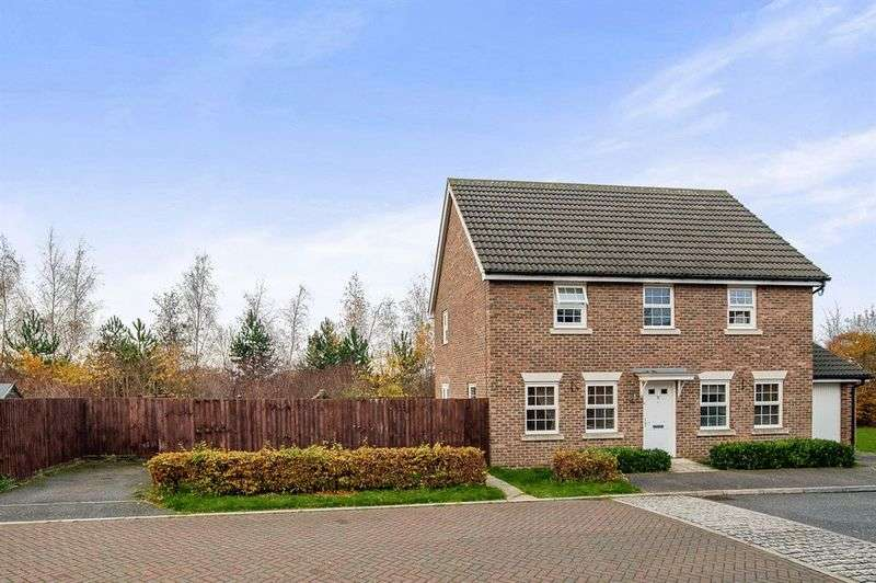 4 Bedrooms Detached House for sale in Richard Walker Close, Bury St Edmunds