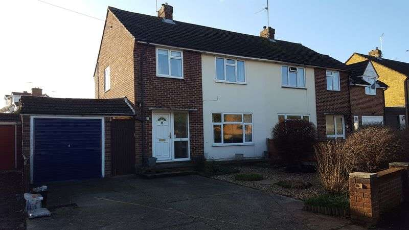 3 Bedrooms Semi Detached House for sale in Norton Road, Woodley