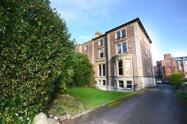 2 Bedrooms Apartment Flat for sale in Pembrook Road, CLIFTON, Bristol