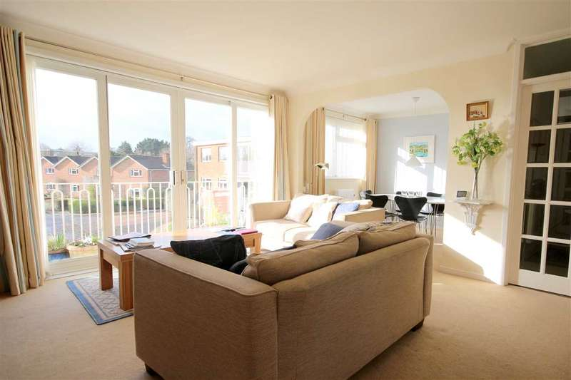 2 Bedrooms Flat for sale in River Green, Hamble, Southampton