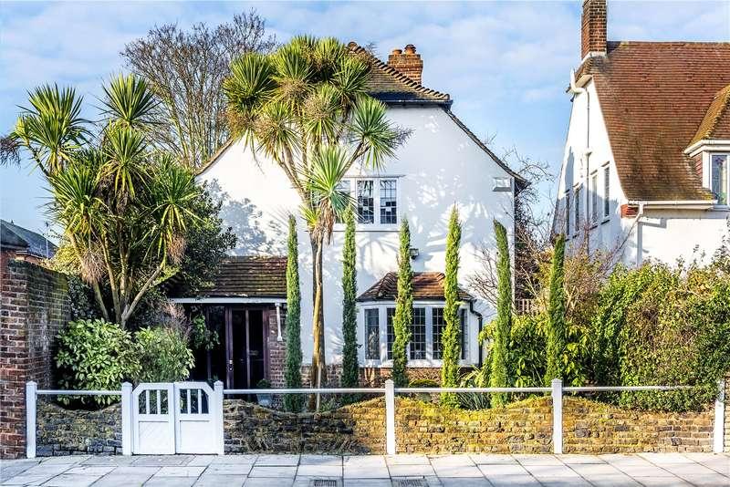 4 Bedrooms Detached House for sale in Cross Deep, Twickenham, TW1