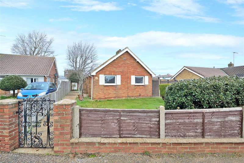 2 Bedrooms Detached Bungalow for sale in Freshfields Drive, Lancing, West Sussex, BN15