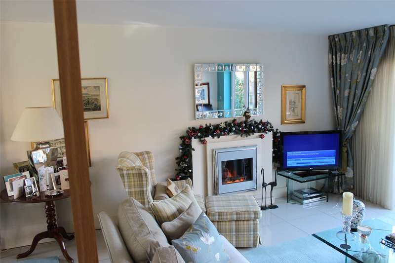 3 Bedrooms Mews House for sale in Charlotte Mews, Henley-on-Thames, Oxfordshire, RG9