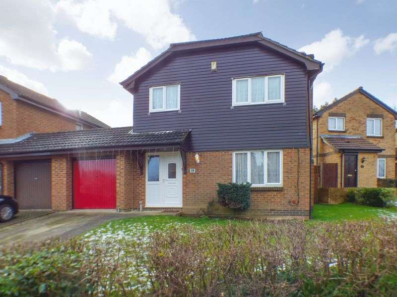 4 Bedrooms Detached House for sale in Hedgerows, Ashford