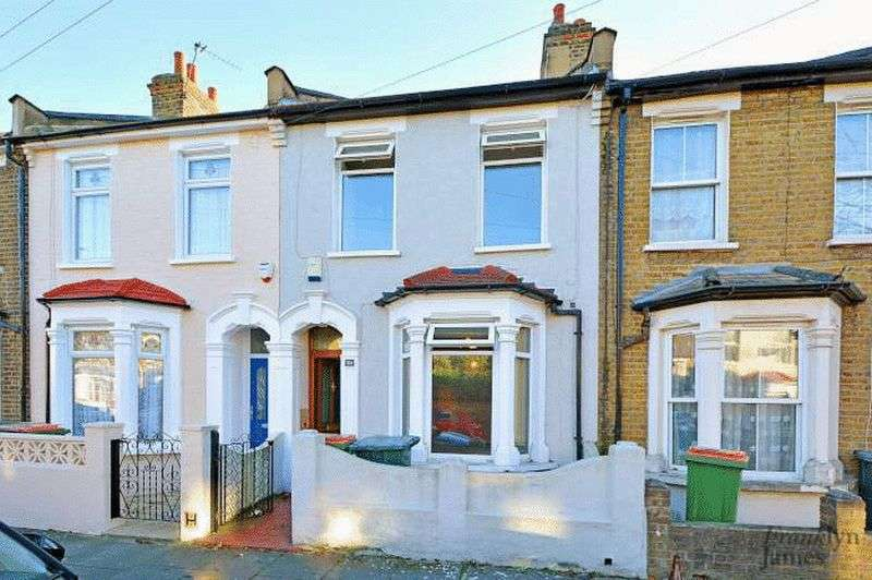 2 Bedrooms Terraced House for sale in Dundee Road, Plaistow, E13