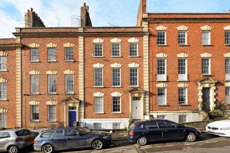 3 Bedrooms Maisonette Flat for sale in Albermarle Row, Hotwells