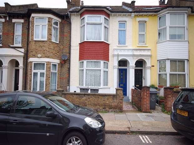 4 Bedrooms Terraced House for sale in Nightingale Road, Harlesden, London
