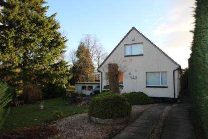 3 Bedrooms Detached House for sale in Springwood Avenue, Stirling
