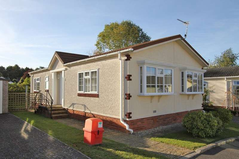 2 Bedrooms Mobile Home for sale in Pottery Road, Bovey Tracey