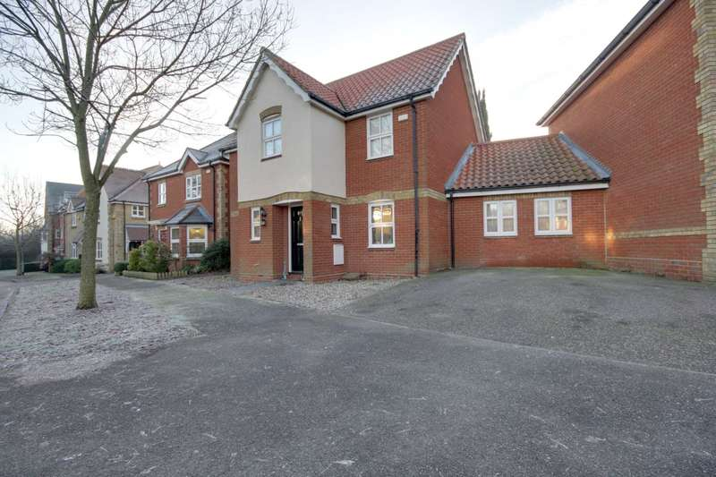 3 Bedrooms Link Detached House for sale in Bramble Tye, Noak Bridge