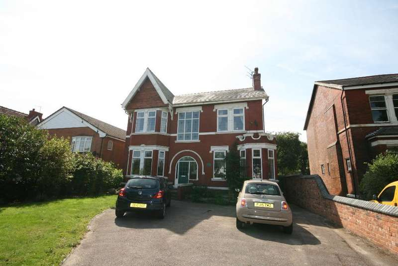 5 Bedrooms Detached House for sale in Norwood Avenue, Southport, PR9 7EG