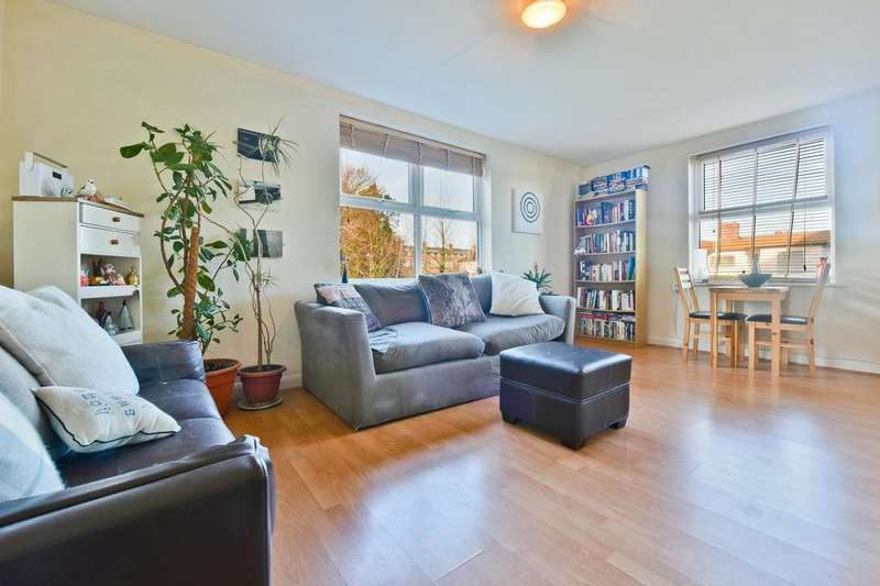 1 Bedroom Flat for sale in Paxton Road, London SE23