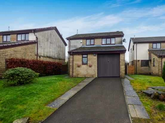 4 Bedrooms Detached House for sale in Downham Avenue, Rossendale, Lancashire, BB4 8JY