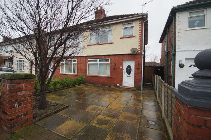 3 Bedrooms Semi Detached House for sale in Cobden Road, Southport