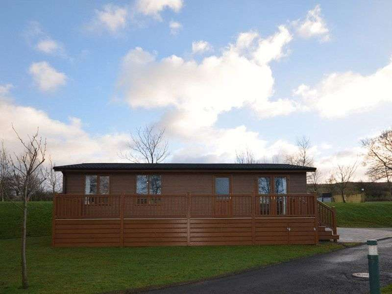 2 Bedrooms Bungalow for sale in Riverview Holiday Park, Mangerton, Newcastleton, Roxburghshire, Scottish Borders, TD9 0TF