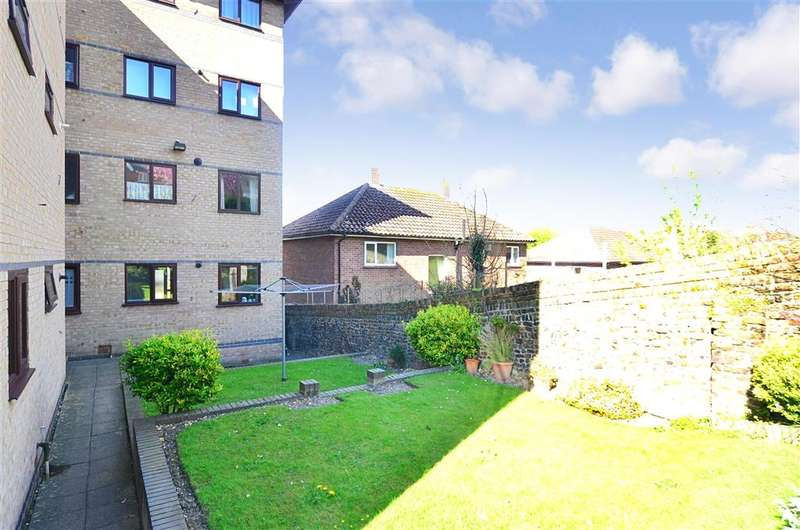 1 Bedroom Ground Flat for sale in Harold Street, Dover, Kent