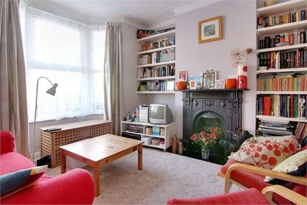 2 Bedrooms Terraced House for sale in Lynmouth Road, Walthamstow, London