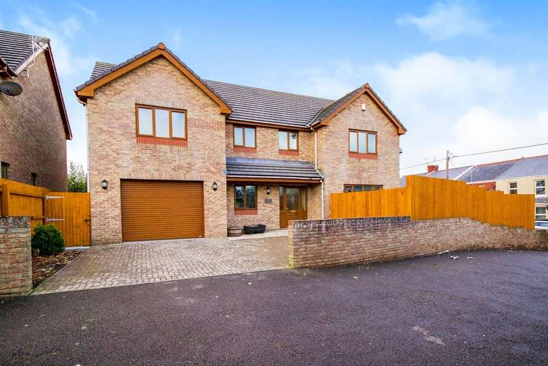 4 Bedrooms Detached House for sale in Caroline Avenue, North Cornelly