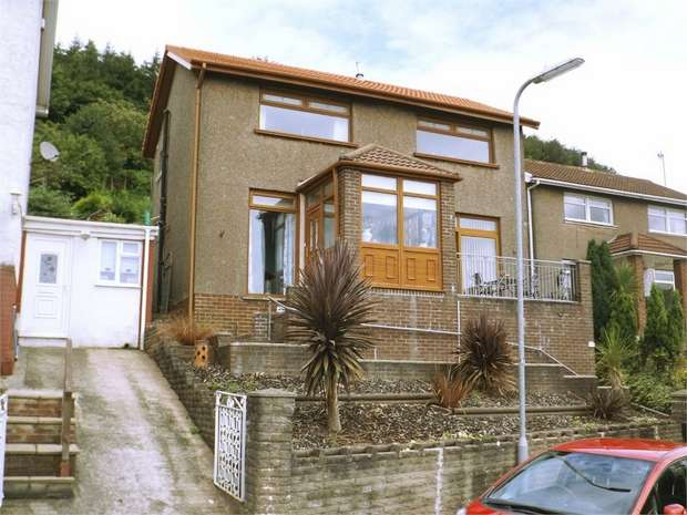 3 Bedrooms Detached House for sale in Broomhill, Pen Y Cae, Port Talbot, West Glamorgan