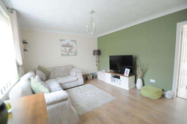 3 Bedrooms Terraced House for sale in Tedworth Road, Hull, HU9 4BD