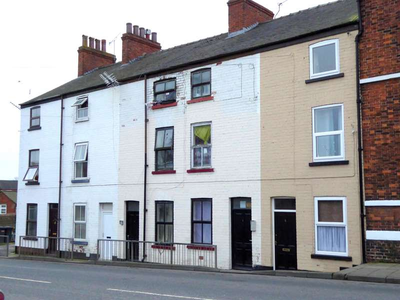 10 Bedrooms Terraced House