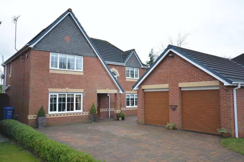 4 Bedrooms Detached House for sale in Oakmoore, Sandymoor, Cheshire
