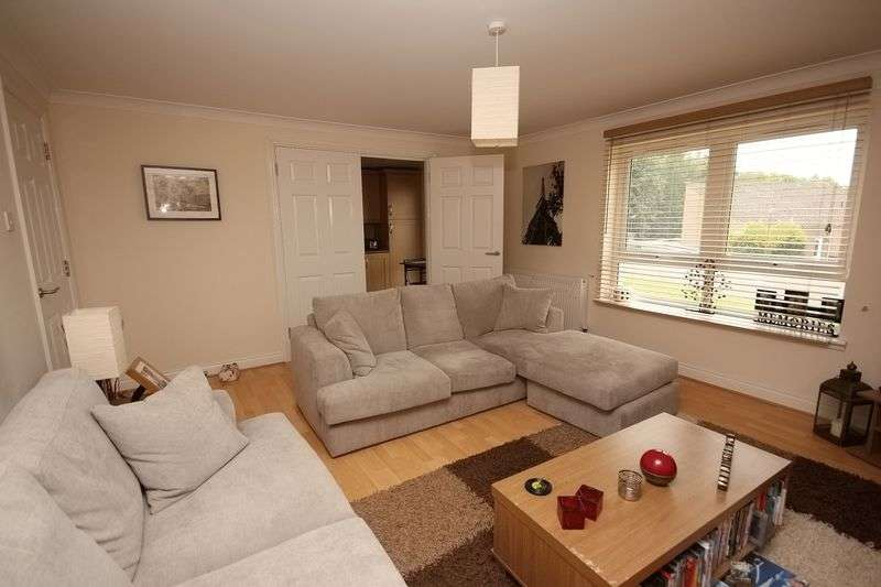 2 Bedrooms Flat for sale in Atholl Way, Livingston EH54 8TH