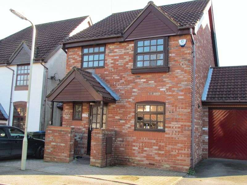 3 Bedrooms Detached House for sale in Suffolk Drive, Whiteley Fareham