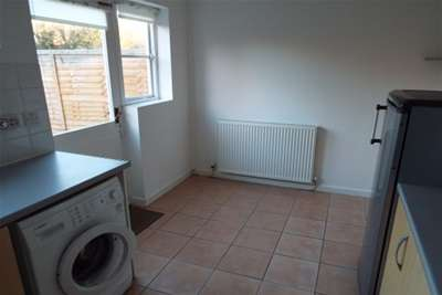 2 Bedrooms Property for rent in Kale Close, West Kirby